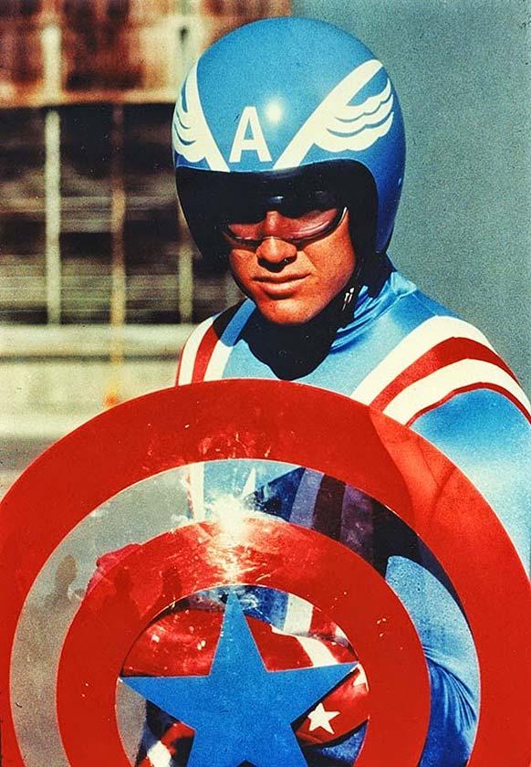 Et soudain… le fils de Captain America !