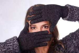 """Des gants à la surface """"100% tactile""""."""