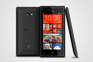 Le Windows Phone 8 HTC 8X.
