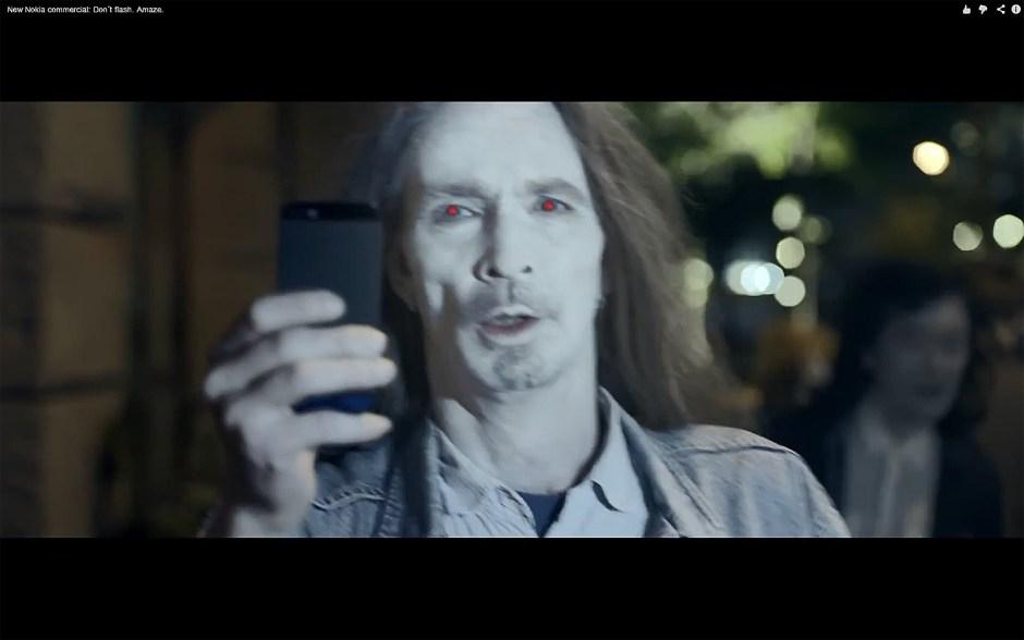 Une publicité pour le Nokia Lumia 925.