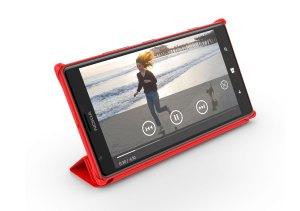 Le Nokia Lumia 1520: son écran Full HD de 6 pouces et son étui.