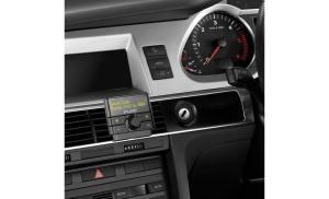 Pure propose un adaptateur DAB+ pour les anciennes voitures.