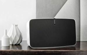 Le Sonos Play 5, compatible Trueplay.