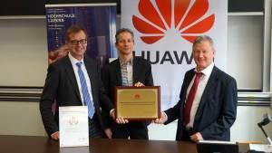 Felix Kamer (Huawei Suisse), René Hüsler et Bernhard Hämmerli (HSLU).