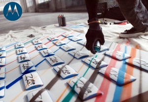 Art urbain: voici le Moto X spécial graffiti par l'artiste de rues Futura