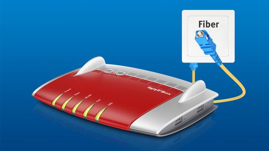 La FritzBox 5490 pour la fibre optique est disponible en Suisse.