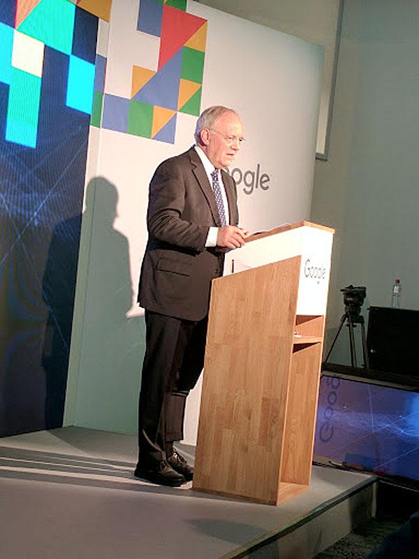 Johann Schneider-Ammann inaugure les nouveaux locaux de Google à Zurich.