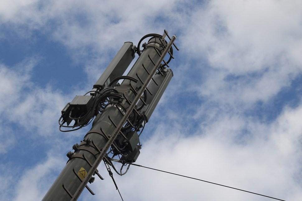 Les propriétaires des antennes de téléphonie mobile érigées en Suisse n'ont pas la tête dans les nuages! Leur argent est bien placé!