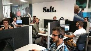 Salt répond en portugais, mais pas toujours clairement à vos courriels