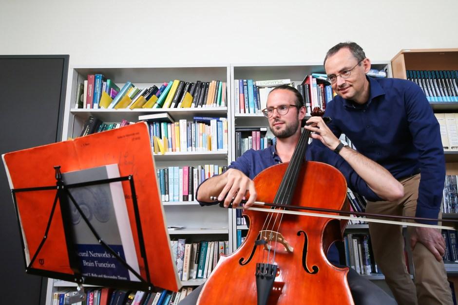 Selon les chercheurs de l'EPFL Florian Colombo et Wulfram Gerstner, le projet est encore à un stade préliminaire puisqu'il ne compose aujourd'hui que pour une seule voix.