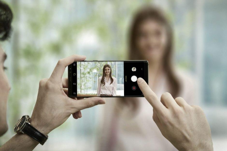 Le Samsung Note 8 possède un objectif grand-angle et un téléobjectif de 12 millions de pixels.