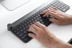 Logitech va révolutionner notre travail avec son clavier Craft! Démo à l'#IFA2017