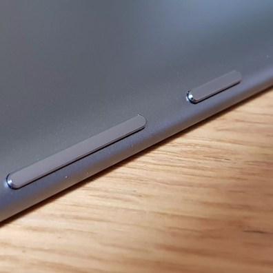 Huawei MediaPad M5: finition en aluminium.le souci du détail.
