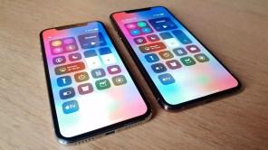 L'iPhone X vs l'IPhone Xs Max.