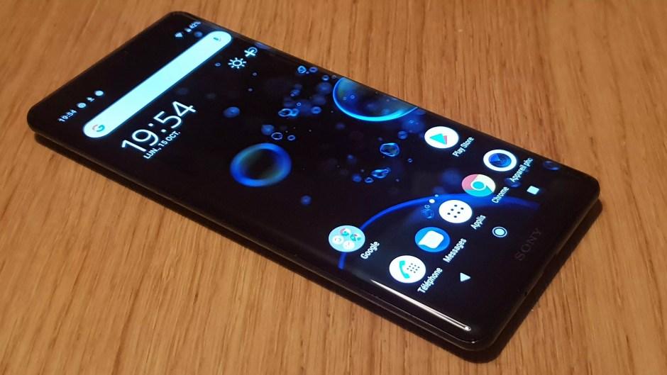 Le Sony Xperia XZ3 de Sony et son écran OLED.