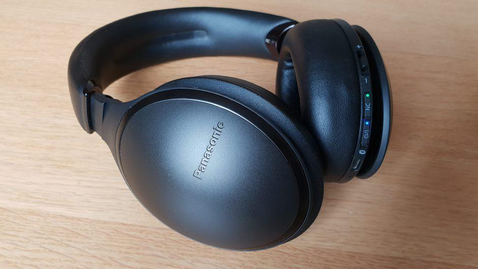 Panasonic RP-HD605N: tout en rondeurs.