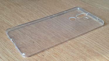 Le Nokia 7 Plus est livré avec une coque de protection.