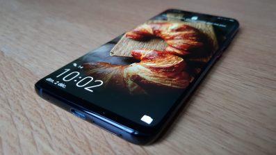 L'écran OLED du Huawei Mate 20 Pro.