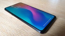 Le Xiaomi Mi Mix 3 5G et son bel écran OLED.