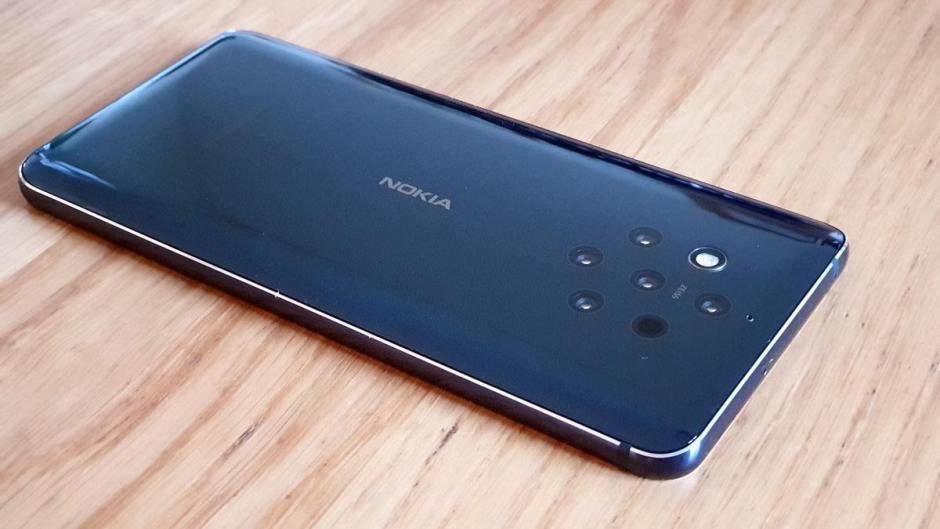 Le design unique du Nokia 9 Pureview.