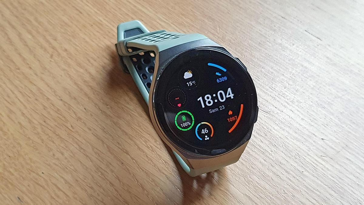 La Huawei GT2e offre une autonomie de deux semaines.