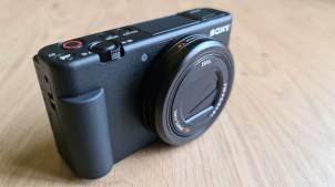 Le très compact Sony Vlog ZV-1, taillé pour le vlogging.
