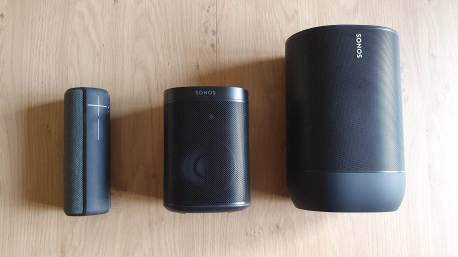 UE Boom, Sonos One et Sonos Move.