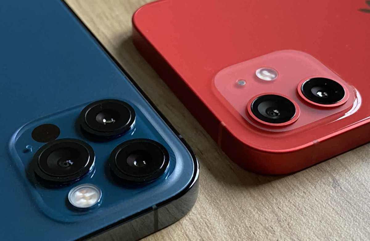 Le nouvel iPhone 12 Pro en bleu et l'édition Red de l'iPhone 12.