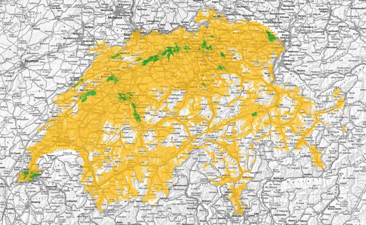 Il y a presque partout de la 5G en Suisse. En jaune, deux opérateurs et trois en vert.