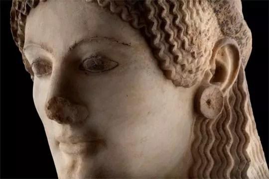 Η Πεπλοφόρος Κόρη. Γύρω στο 530 π.Χ. - Credit Νίκος Δανιηλίδης