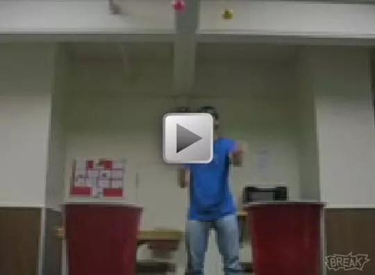 Video: Μπαλάκι, Ποτηράκι και Όλα Μέσα!
