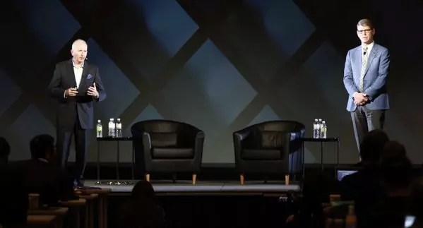 Ο Rory Read της Dell (Δεξιά) και ο Howard Elias της EMC (Αριστερά)