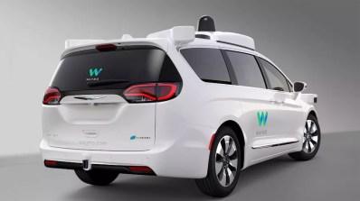 Google Waymo self driving Chrysler Pacifica Hybrid minivans (3)