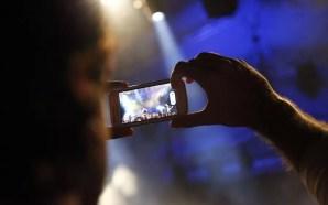 COSMOTE: Διπλασιάστηκε η κίνηση data φέτος τις γιορτές