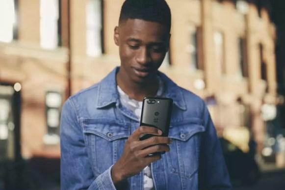 OnePlus 5T Lifestyle 3
