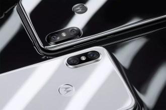Motorola P30 black and white