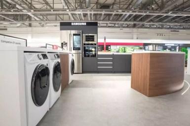 Samsung Hub Kotsovolos Greece 3