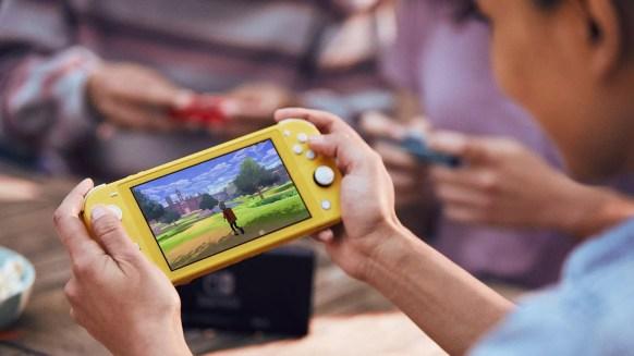 Nintendo Switch Lite 7