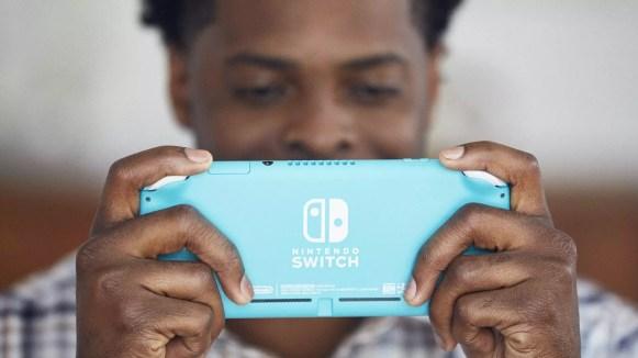 Nintendo Switch Lite 9