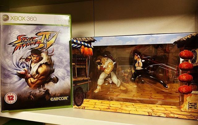 A l'époque où les Street Fighter sortaient sur Xbox … #Xbox #Xbox360 #StreetFighter4 #StreetFighterIV #Capcom #Microsoft #Collector #LimitedEdition https://t.co/oXQrkeewP6 pic.twitter.com/OUqvUAJelE