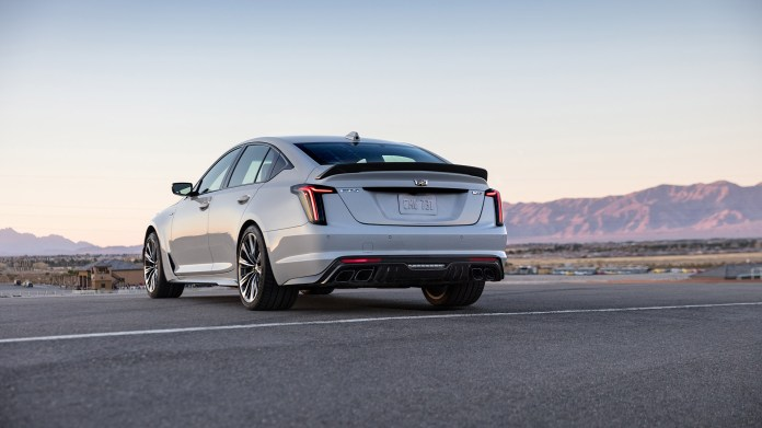 2022-Cadillac-CT5-V-Blackwing-002-1080