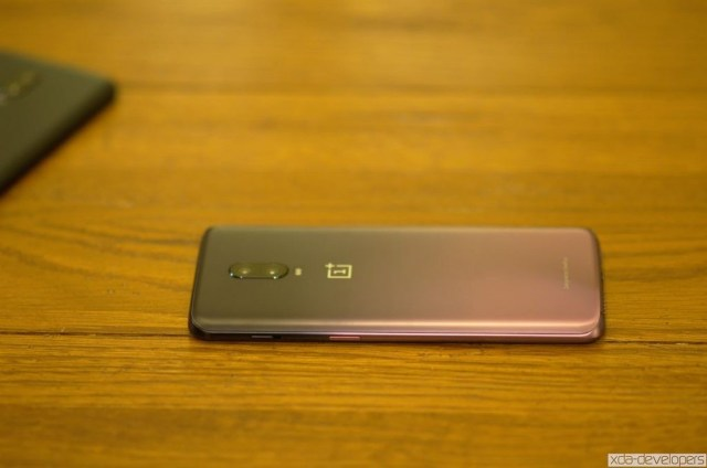 OnePlus 6T in Thunder Purple