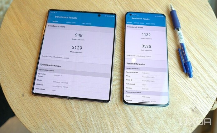 Snapdragon 888 benchmark on Xiaomi Mi 11 vs Snapdragon 865+ in Galaxy Z Fold 2