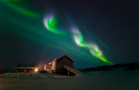 Over-barn-vibrant-srgb-1024x665 Northern lights Expeditions.