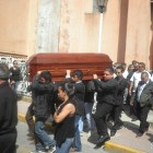 Amigos y familiares acompañan a Samuel Rosales Olmos a su última morada