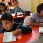Inician la entrega de casi 20 mil uniformes de educación primaria