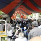 Se realizan misas en panteones a las madres difuntas