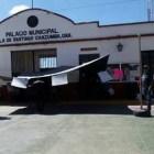 Bloquean carretera y toman palacio de Chazumba pobladores de San Juan Nochixtlán