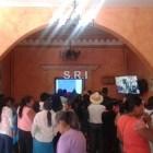 Antorchistas se manifiestan en Palacio Municipal