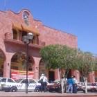 Se plantan transportistas alternativos en palacio de Huajuapan